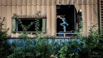 Martial flip à la fenêtre!